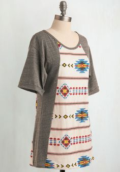 Art-tee-sia Tunic. Named for the gorgeous Artesia, New Mexico, this top-notch tunic has much in common with the place for which its moniker is derived. #grey #modcloth
