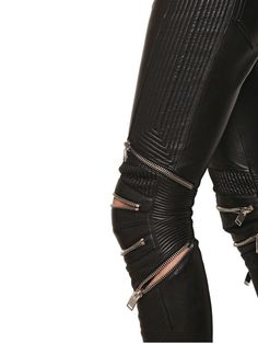 Hot Ass Pants right here! (SAINT LAURENT Biker Pants with Zips). Look Fashion, Fashion Details, Womens Fashion, Fashion Design, Fashion Black, Saint Laurent, Mode Style, Style Me, Mode Lookbook