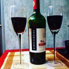 Adoramos esta dica do nosso amigo @felipe_tuono - vinho do Rio Grande do Sul.  O Felipe que deu a dica quando passávamos pelo Mercado de Porto Alegre - e curtimos o vinho.  Perfeito para encerrar este domingo   #vinho #wine #lowcarb #lowcarbdieta #senhortanquinho #slowcarb #keto #paleo #primal #paleobr