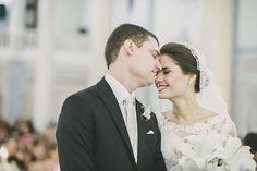 Confira o casamento completo de Paula e Ian no EuAmoCasamento.com! #euamocasamento #NoivasRio Foto de Renata Xavier.