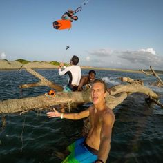 When your homies can't help but photobomb your selfie! #GoPro #TonaLife #BeAHero #Kiteboarding #GoPole