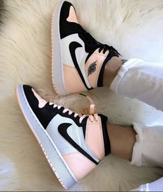 Sneakers Shoes, Dr Shoes, Cute Nike Shoes, Swag Shoes, Cute Sneakers, Nike Air Shoes, Hype Shoes, Sneakers Fashion, Converse Shoes