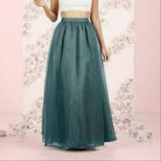 The perfect maxi skirt This color is simply stunning. Skirts Maxi