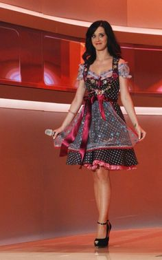"""Katie Perry in a Lola Paltinger Dirndl 2010 at the """"Wetten dass...""""-Show"""