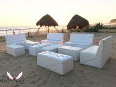 Una sala lounge para el coctel de recepción de tu boda!. Donde todos puedan quitarse los zapatos y disfrutar.