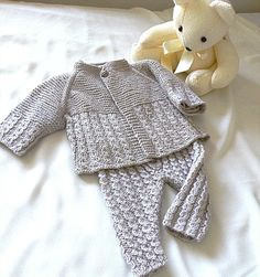 Baby Knitting Patterns Onesie Knitting: Baby onesie and matching jacket – Knit Baby Pants, Knit Baby Sweaters, Baby Cardigan, Girls Sweaters, Baby Layette, Baby Onesie, Onesies, Baby Knitting Patterns, Baby Patterns