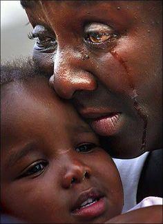 """""""...Enviou-me... para pregar boas-novas aos... quebrantados de coração... a consolar todos os que choram."""" Isaías 61.1-2"""