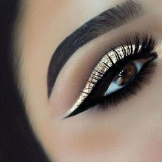 Makeup Products Buzzfeed Hourglass Makeup Logo mak #BuzzFeed #classpintag #explore #EyeMakeupNatural #Hourglass