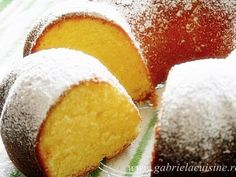 Pastry And Bakery, Pastry Cake, Romanian Food, Loaf Cake, Unt, Pie Dessert, Hot Dog Buns, Cornbread, Cake Recipes