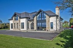 A choice of four properties on the market which will attract golf fans. House Designs Ireland, Self Build Houses, Dream House Exterior, Bungalow Exterior, Ireland Homes, Dream Home Design, House Goals, Life Goals, House Front