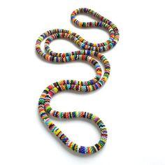 Diese einzigartige, lang, afrikanischen Stil Halskette geben Ihnen so viel Möglichkeiten! Sie können es auf viele verschiedene Arten - auch als Armband tragen! Sehr schöne, inspiriert von afrikanischen Perlen Schmuck - Perle Häkeltechnik. Die Kette besteht aus einem langen Strang (ohne Verschluss), der verdoppelt oder sogar verdreifacht für eine beeindruckende und vielseitige Look und ist ca. 197 cm (etwa 78 Zoll) lang!!! Lange Ketten sehen in der Regel am besten, wenn sie mit der kürzesten…