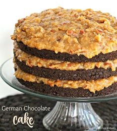 Coconut Pecan Icing And German Chocolate Cake is an all-time classic. The decadent frosting is so delicious it would taste great on shoe leather. Köstliche Desserts, Delicious Desserts, German Chocolate Cake Frosting, Chocolate Cheesecake, German Chocolate Brownies, Famous Chocolate, Cheesecakes, Coconut Pecan Frosting, Cake Recipes