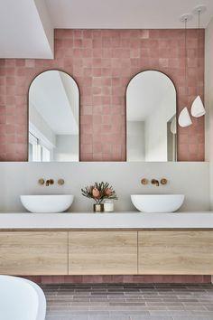 Feminine Bathroom, Glamorous Bathroom, Chic Bathrooms, Beautiful Bathrooms, Small Bathroom, Master Bathrooms, Garden Bathroom, Minimal Bathroom, Bathroom Mirrors