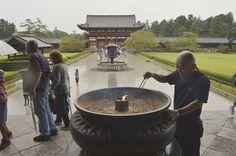 En los templos budistas huele a incienso y se respira paz