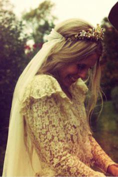 Vuelve el velo- #Bohemia #Velo #Novias #VestidoDeNovia #Chic #NoviasConEstilo