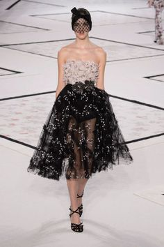 A look from Giambattista Valli Couture spring 2015. Photo: Imaxtree