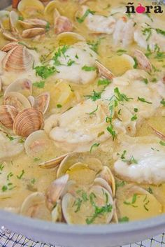 Cazuela de rape Seafood Dishes, Fish And Seafood, Seafood Recipes, Monkfish Recipes, Spanish Dishes, Portuguese Recipes, Carne, Food To Make, Side Dishes