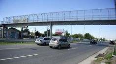 Inseguridad en Liniers: tiraron de un puente a una joven luego de asaltarla Pedestrian Bridge, Bridges