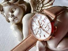 Welche Dame würde sich nicht über diese verspielte Armbanduhr von Fossil freuen? Der Abilene Damen-Chronograph begeistert auf ganzer Linie. Diese und weiter Uhren von Fossil findet Ihr hier:  https://www.uhrcenter.de/uhren/fossil/ #fossil #Chrono #Chronograph #uhrcenter #xmas #Weihnachten #Uhr #watch #wow #Fashion #Accessoire #echtesSchmuckstück #elegant #Geschenkidee #Picoftheday #Tipoftheday #like #wunderschön #verspielt