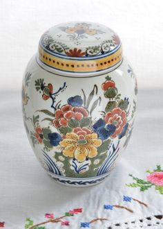 Royal DELFT Tea Caddy