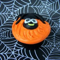 Cute Spider Cupcake by: http://www.CupcakeWhimsy.com