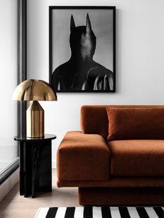 Brass light and rust toned sofa via EST #hellopeagreenspots #interiordesign #brass Australian Interior Design, Interior Design Awards, Australian Homes, Interior Decorating, Living Pequeños, Vogue Living, Modern Living, Richmond Apartment, Minimal Design