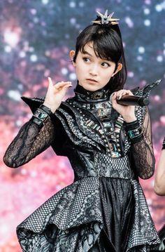 Sakura Gakuin, Japon Tokyo, Moa Kikuchi, Heavy Metal Bands, Metal Girl, Emo Bands, My Favorite Music, Rock Music, Reggae Music