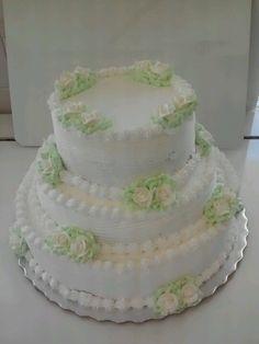 3 tiered wedding cake