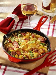 Bratkartoffel-Auflauf mit Speck und Spitzkohl (Foto & Rezept: BSV/Foodstockbox)