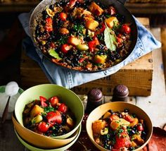 Butternut chilli. This Mexican stew is hearty enough to satisfy both vegetarians and meat eaters, with butternut squash, black beans and juicy tomatoes #vegetarian #recipe