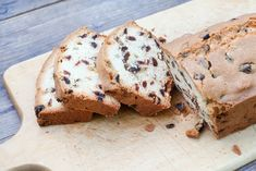 Marrow and raisin cake > veganise this, use flax egg or egg replacer and see what happens. Marrow Recipe, Sweet Recipes, Cake Recipes, Raisin Cake, Vegan Cake, Cake Tins, Fruit And Veg, No Bake Desserts, Sweet Treats