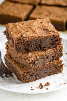 Najlepsze brownies (5 składników) Cake Recipes, Snack Recipes, Dessert Recipes, Vegan Junk Food, Tasty, Yummy Food, Vegan Smoothies, Vegan Kitchen, Polish Recipes