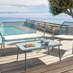 78ae881b314e6f Salon de jardin en métal bleu pastel avec banquette, fauteuil et table  basse, Maisons