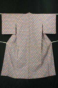 Ayame color, wool hitoe konon / あやめ色地 扇並び柄 ウール単衣小紋   #Kimono #Japan http://global.rakuten.com/en/store/aiyama/