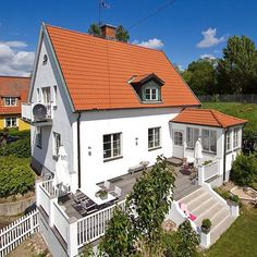 Eye-popping photo - have a look at our brief article for additional designs! Swedish Cottage, Little White House, House With Porch, House Extensions, Facade House, Old Houses, Beautiful Homes, Nordic Home, Villa
