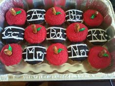 cupcakes for the classroom. Teacher Cupcakes, School Cupcakes, School Cake, School Treats, School Snacks, Apple Cupcakes, Themed Cupcakes, Cute Cupcakes, Cupcake Cookies