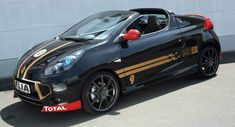 Elia Dresses Up Renault Wind in F1 Colors