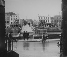 Lovely old photo of Ha'lfpenny Bridge, Dublin.