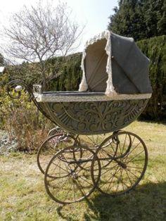 Traumhafter antiker  Kinderwagen große Räder Porzellangriff  toll in Winnen