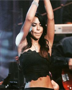 Rip Aaliyah, Aaliyah Style, Girls Joggers, Jogger Sweatpants, Vibe Magazine, Aaliyah Haughton, Mixed Girls, Forever Living Products, Celebs
