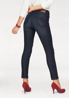 Arizona 7/8-Jeans »mit Schnürung am Saum«, High Waist ab 34,99€. High -Waist- Röhrenjeans, Cooler Rock-Style, 7/8 Röhre mit hoher Leibhöhe bei OTTO