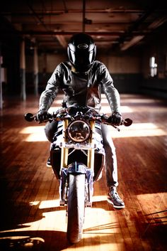 BMW S1000R Cafe Racer by Purebreed Motorcycles #motorcycles #caferacer #motos   caferacerpasion.com