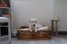 Hund: Schlafplätze - Hundebett Hundeschlafplatz Hundekoje Holzbett - ein Designerstück von TorstenRu bei DaWanda