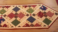 Country Table Runner via Craftsy Table Runner And Placemats, Table Runner Pattern, Quilted Table Runners, Small Quilts, Mini Quilts, Baby Quilts, Skinny Quilts, Christmas Runner, Place Mats Quilted