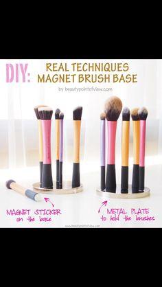 DIY brush holder for real techniques make up brushes