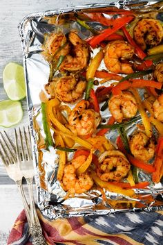 One Pan Shrimp Fajitas - Slender Kitchen. Works for Clean Eating, Gluten Free, Low Carb, Paleo, Weight Watchers® and Whole30® diets. 213 Calories.