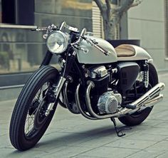 Elgato Honda Cb750 Cafe Racer With Images Motocykly