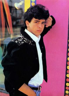 Glenn Medeiros haha first slow dance......