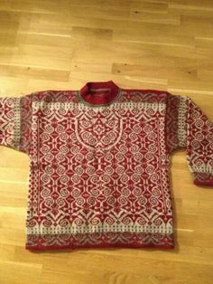 Sumptuous design; brilliant hand work. Motif Fair Isle, Fair Isle Pattern, Knitting Machine Patterns, Knitting Patterns, Fair Isle Knitting, Hand Knitting, Norwegian Knitting, How To Purl Knit, Boro