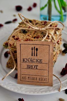 Heute gibt es leckeres Knäckebrot mit Canberrys auf dem Blog! Einfach auf das Bild klicken. Viel Spaß beim Knuspern.
